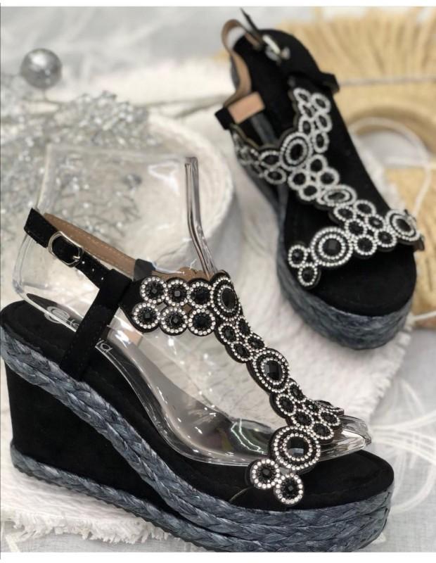 Sandalia azabache. Modelo N156 AZABACHE. Color negro.