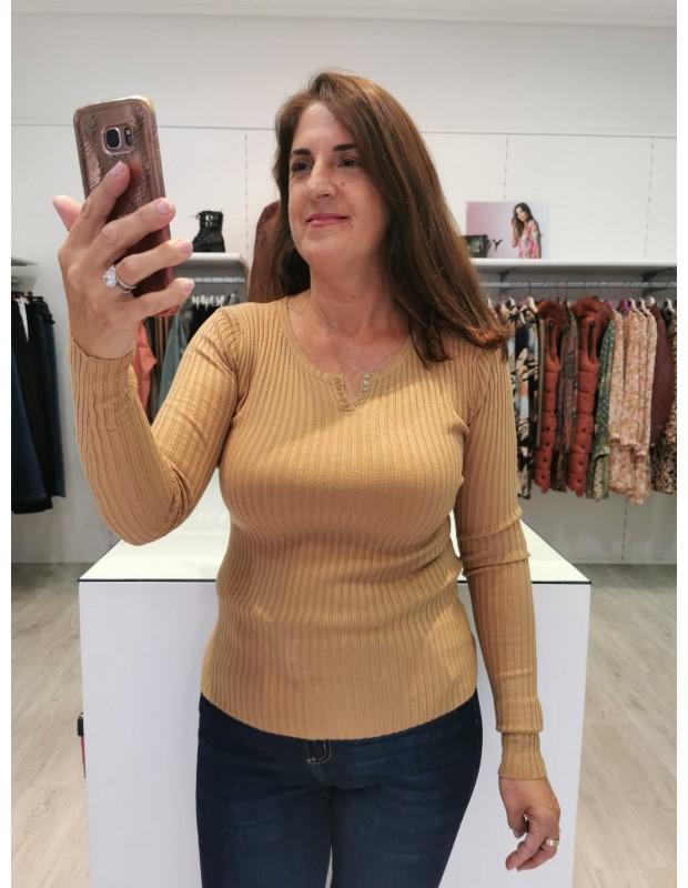 Suéter pico/botones para mujer. Modelo LB0006. Color amarillo.